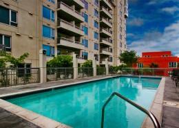 La Vita San Diego Condos - Pool Area
