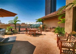 Pacific Terrace Condos San Diego - Sundeck with BBQ area
