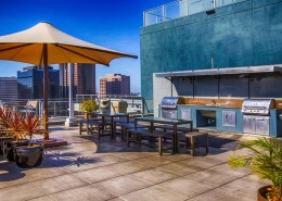 Smart Corner Condos - Rooftop Terrace BBQ area